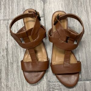 Versona Brown Sandals.  Size 7M. Not a lot of wear